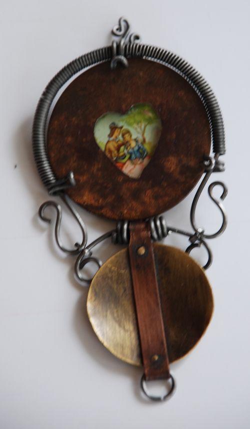Artfest hinged locket opened